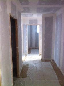 avant-peinture-couloir-airless