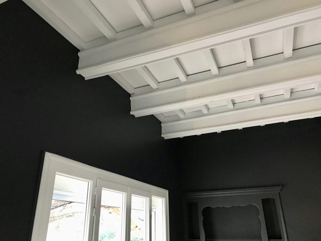 Plafond à la française peint avec airless